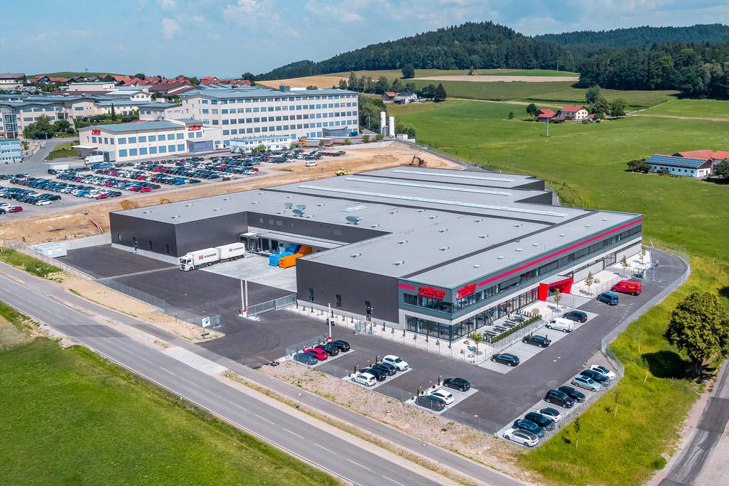 Produktions- und Bürogebäude
